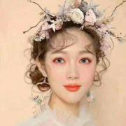 美妆造型师小雅